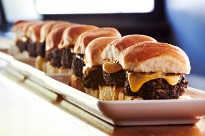 6 food trends we hate in 2014. Sliders are just so messy — why chefs?! #foodtrends #food #sliders