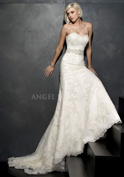 Elegant Fit N Flare Sweetheart Lace Floor Length Wedding Dress With Sash/ Ribbon
