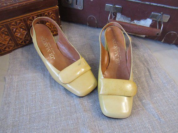 Vintage J.B.Martin shoes yellow laquer sandals faux leather