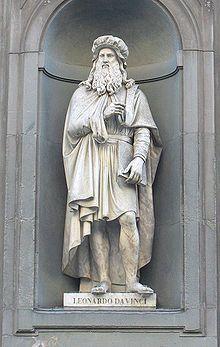 Estátua de Leonardo da Vinci na Galleria degli Uffzi