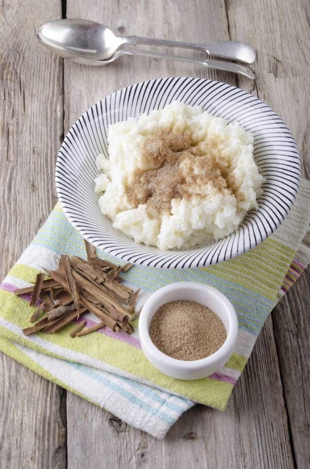 Risgrynsgröt, julgröt eller tomtegröt. Risgrynsgröten är definitivt en favorit under vintern. Här är Mitt köks bästa recept på klassisk risgrynsgröt!
