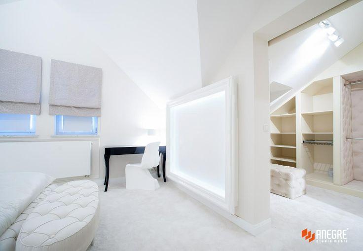 Bedroom and walk-in closet/ project Studio Anegre