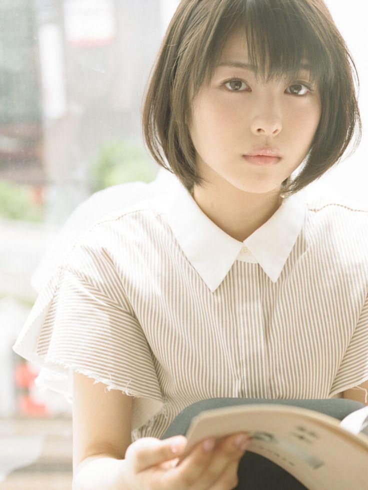 柔らかな日差しの中、窓辺で本を読むきみは──。16歳の美少女、浜辺美波さんがメンズノンノ8月号で魅せる夏のワンシーン。本誌未掲載の写真と、撮影風景の動画を公開! […]