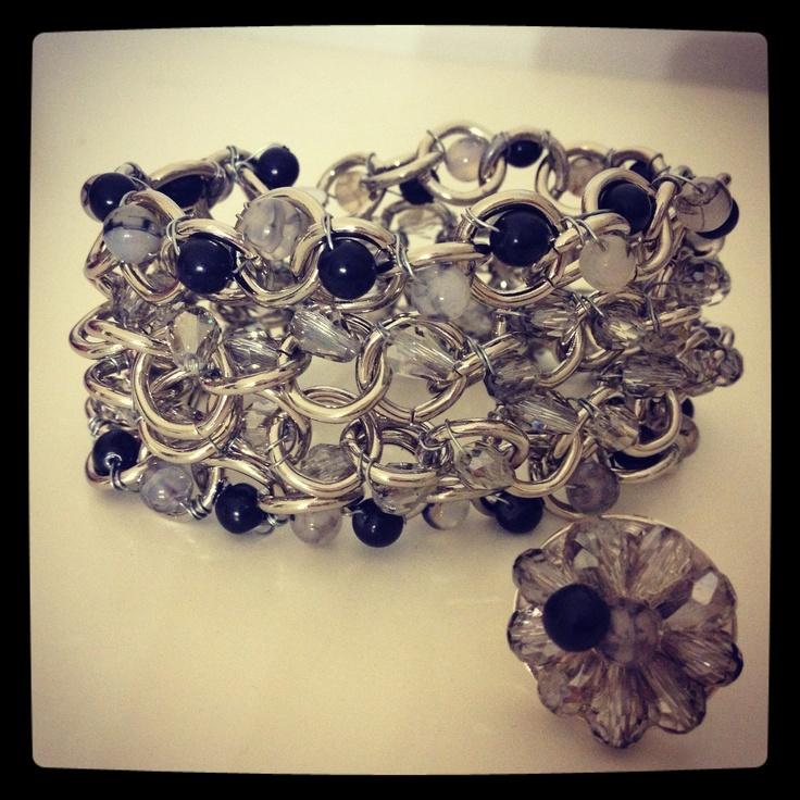 Nuestra pulsera Manon con anillo a conjunto.