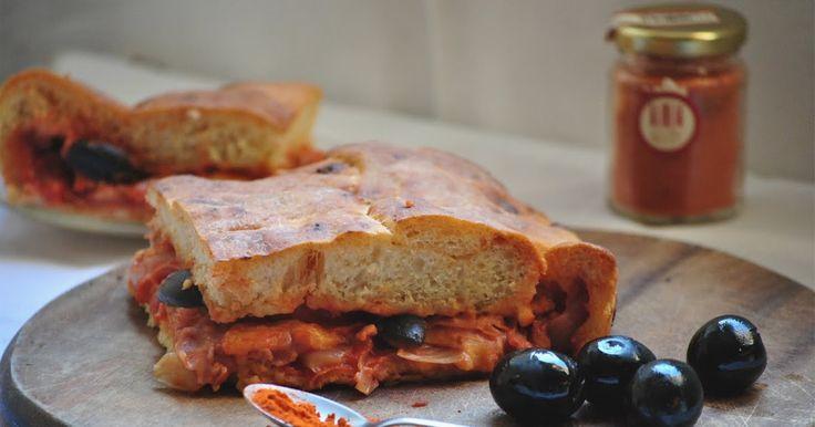 Blog di ricette regionali italiane (in particolare siciliane e emiliano-romagnole) con escursioni culinarie in giro per il mondo.