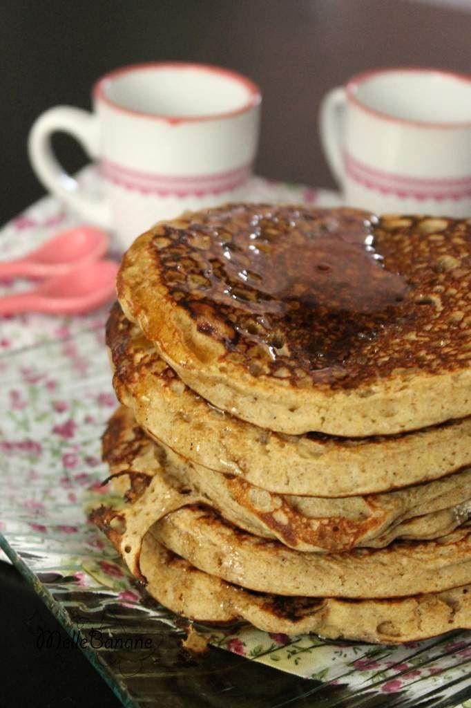 Dimanche matin avant de partir marcher j'ai décidé de faire un bon petit déj et Mr Grognon avait envie de pancake .... comme j'avais du lait ribot dans le frigo j'ai pensé à mes supers pancakes traditionnels mais en moins sucré et avec une farine de sarrasin....