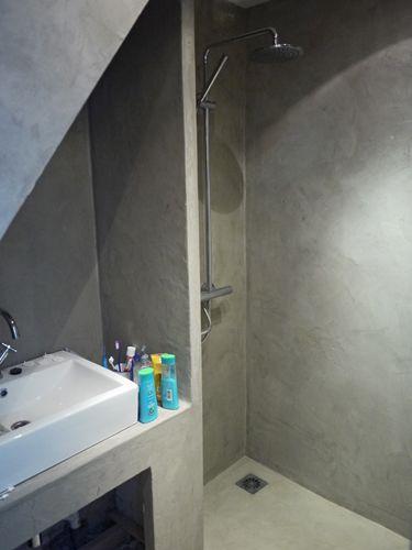 17 beste idee n over vakman badkamer op pinterest fixer upper hgtv bungalow badkamer en - Kleine badkamer deco ...