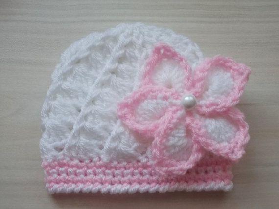 Muchacha recién nacida sombrero blanco bebé gorrita tejida