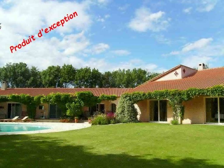 Sérignan Superbe villa en plain pied de 280m2, au coeur du village, avec séjour 77m2, 4chambres et 4 sdbains, sur terrain de 4000m2 arboré avec verger, piscine, cuisine et patio d'été, dépendances....