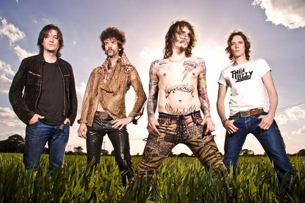 Neue bestätigte Bands für das Festival Haltestelle Woodstock 2012:  The Darkness (UK) und THePetebox (UK)