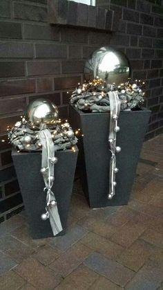 https://s-media-cache-ak0.pinimg.com/originals/36/87/6c/36876c7c0cf97d0a1f364f7ee023c07b.jpg (Christmas Ideas Outdoor)