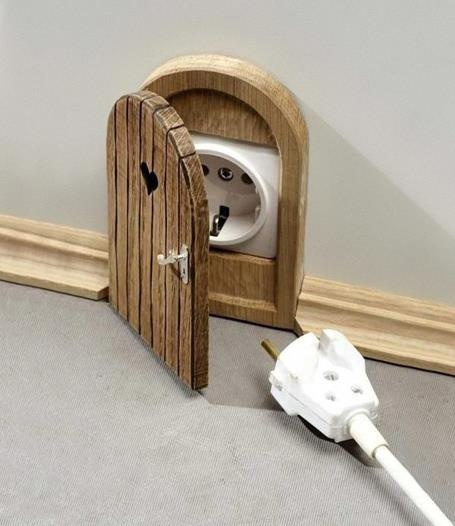 Door for Outlet.... Sherlyn this must be the magic door the hide the outlets in