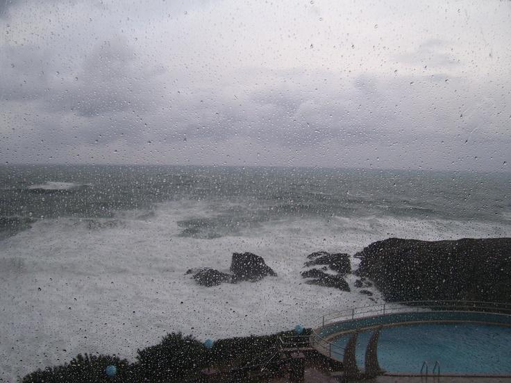 Il fascino del mare agitato d'inverno.