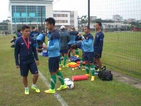 AGEN BOLA - Latihan Perdana di Hanoi, Timnas Fokus Jaga Kebugaran - Tim nasional Indonesia sudah melakoni latihan perdana di Hanoi, Vietnam. Mengingat latihan taktikal sudah dilakukan di Jakarta, kini pemain-pemain timnas tinggal menjaga kebugaran saja