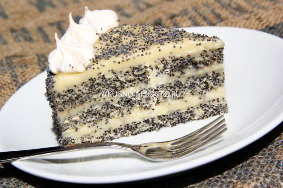 Я очень-очень хочу обратить ваше внимание на этот маковый торт. Даже если у вас есть ожидания, он их превзойдет.