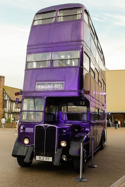 Harry Potter and the Prisoner of Azkaban triple decker bus (Warner Bros. Studio Tour London)...:)
