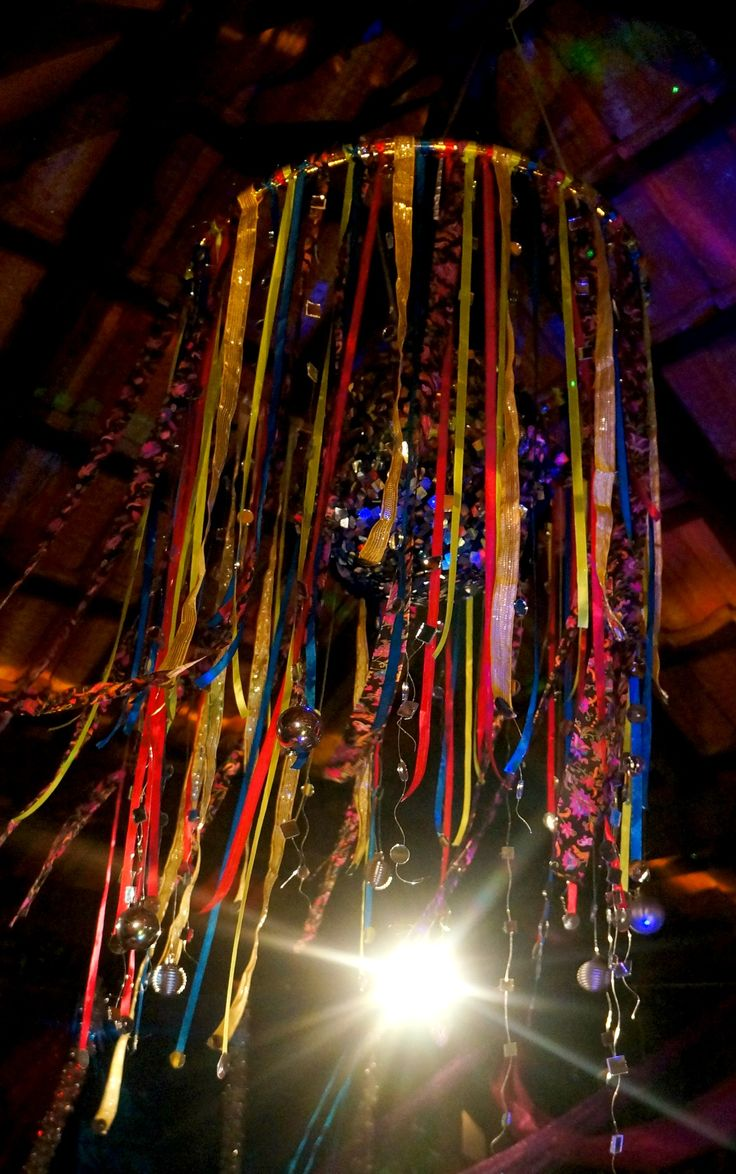 Hula hoop chandelier my lil rockstar pinterest hula for Hula hoop decorations