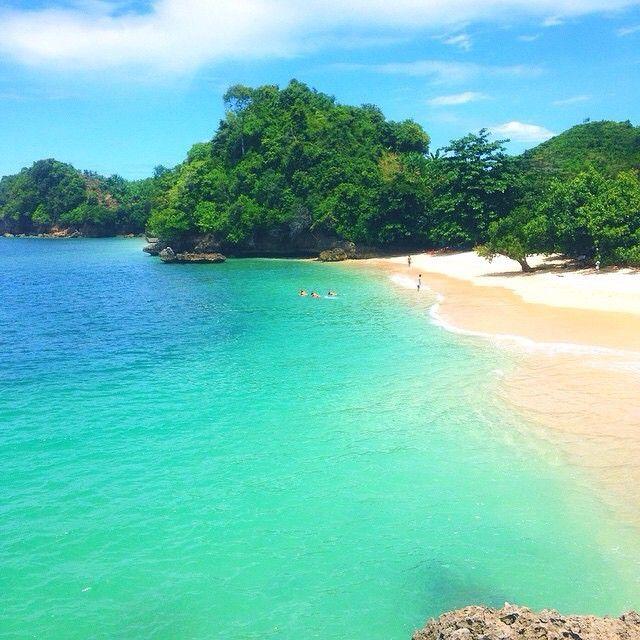 Pantai Tiga Warna (Kawasan Pantai Sendang Biru), Malang Selatan, East Java, Indonesia.