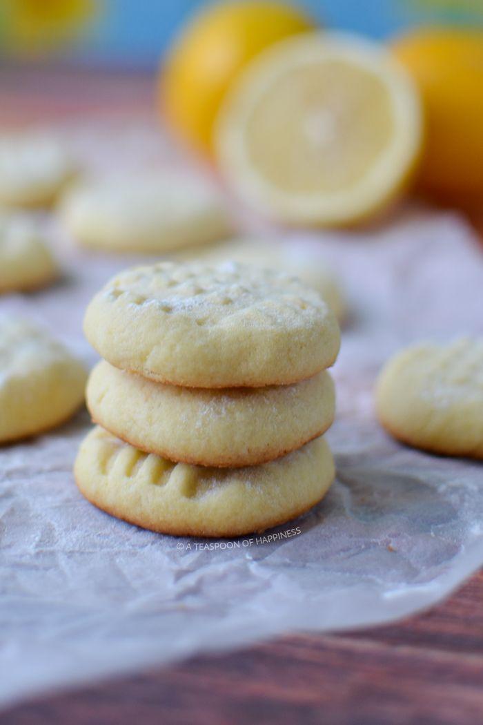 An easy recipe for lemon butter cookies.
