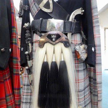 Queens Piper - Balmoral Highlanders Uniform