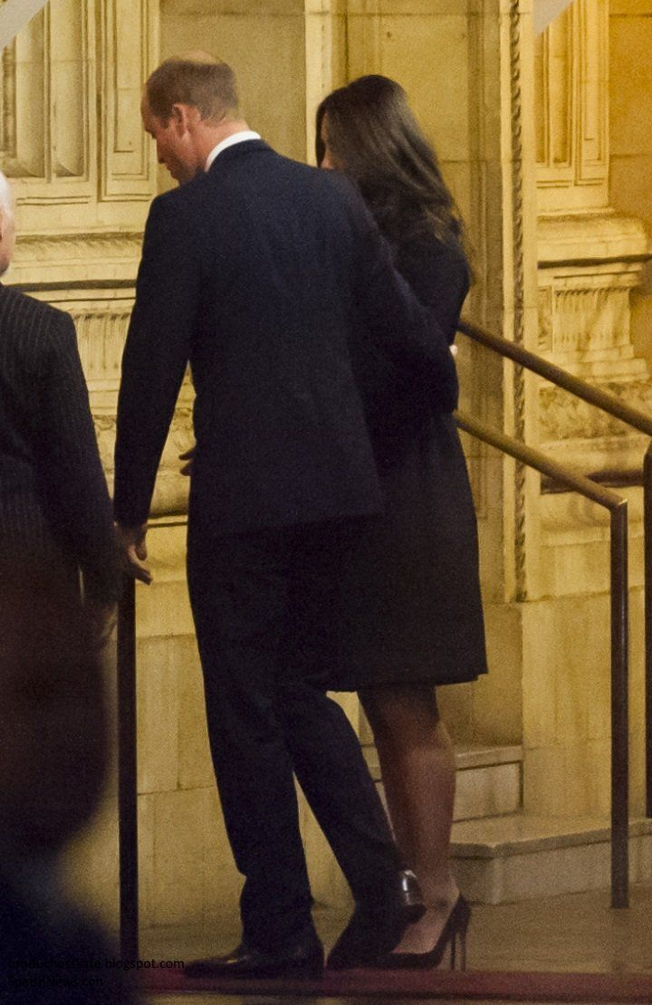 "theroyalweekly: "" Duchess Kate Blog on Twitter: ""Kate in Temperley London for Festival of Remembrance https:/t.co/h4rGGeygxl https:/t.co/5BaZIeNXSG"" """