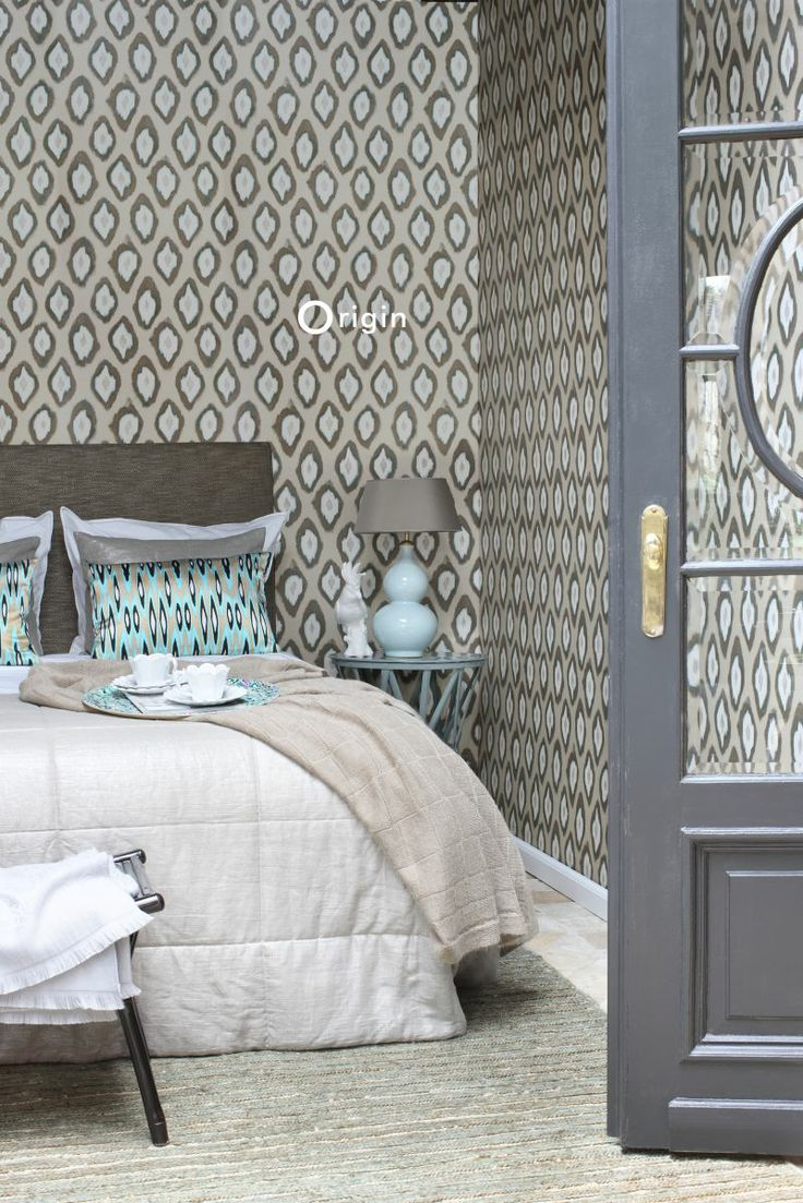 silk pinted non-woven wall covering Ikat beige and turquoise. Collection Mariska Meijers, Origin - luxury wallcoverings.