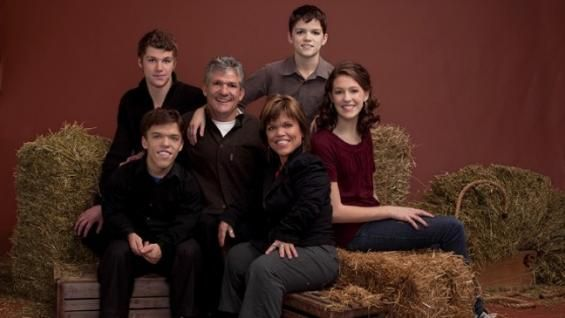 Little People, Big World   The Roloff's was a get family to watch for 4 seasons seeing struggles they encounter being a family with normal and Achondroplasia aka dwarfism children.