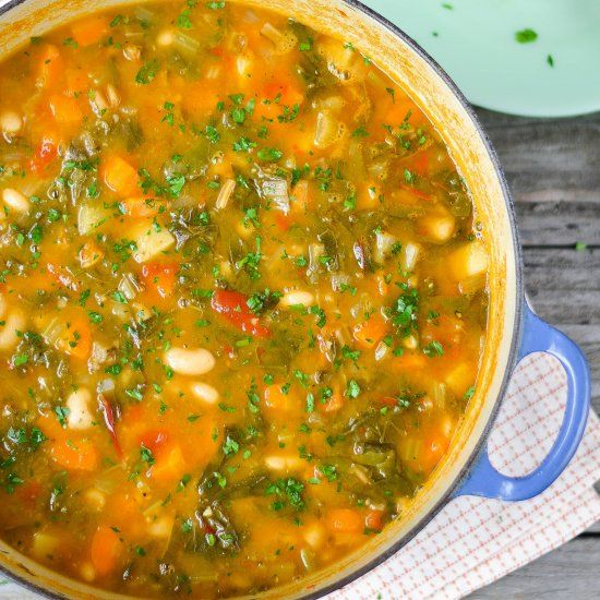 Hearty Vegetable & Bean Soup