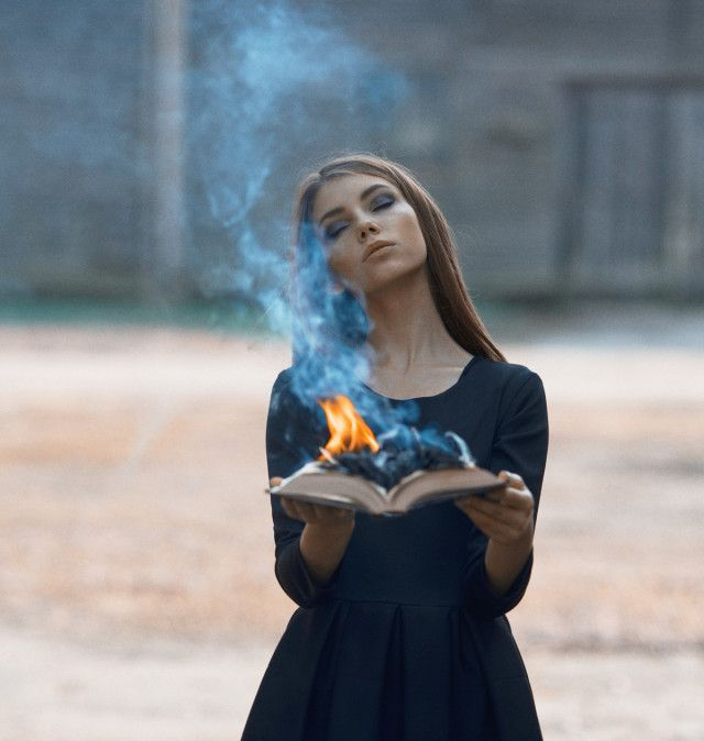 Nicholas Javed – Alicja Zebrowska • Dark Beauty