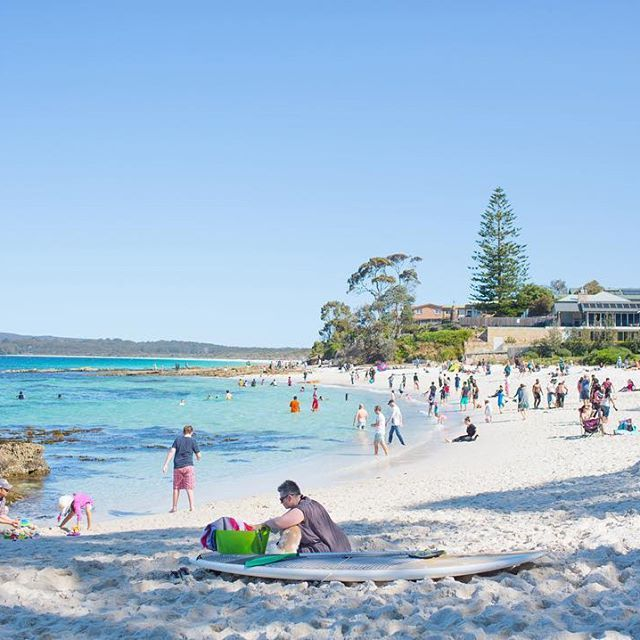 Have you ever seen such a pretty beach? Mr G was keen to get out of town recently and we adventured our way here. So lovely 💙 #jervisbay