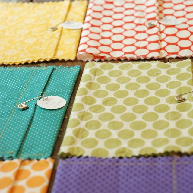 fabric envelopes: Diy Ideas, Sew, Baby Shower Invitations, Wedding Ideas, Invitation Ideas, Fabrics, Diywedding Unique, Fabric Envelopes, Crafty Ideas
