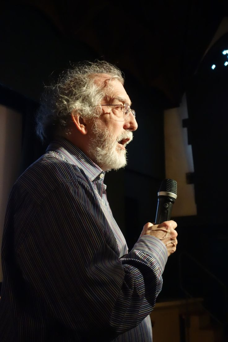 Paul Shaw, author of Revival Type (Yale, 2017), speaking at the Arts & Letters Club in Toronto, March 2017. Credit: Don McLeod.