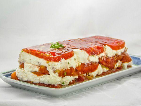 Terrine de tomates cœur de bœuf au chèvre frais