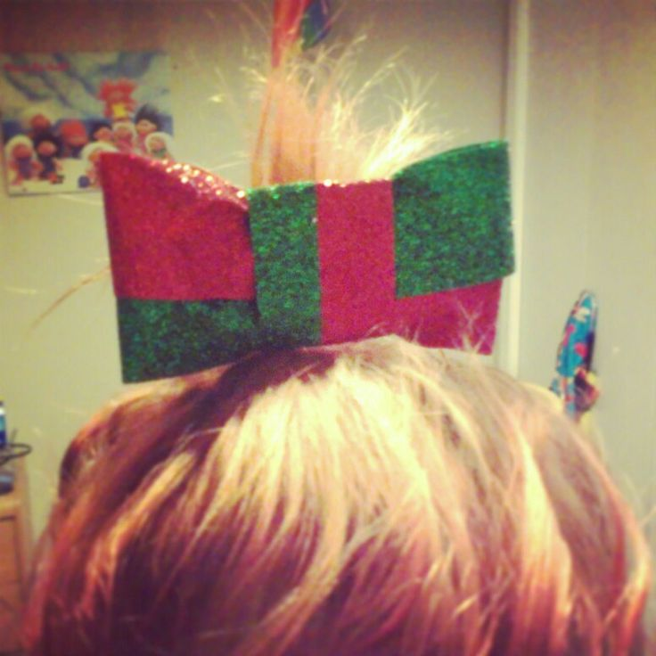 Red & Green Sparkle Bow. $7