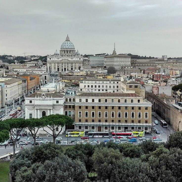 Rome / Italy  The castle of the Holy Angel offers a magnificent view of the Vatican.