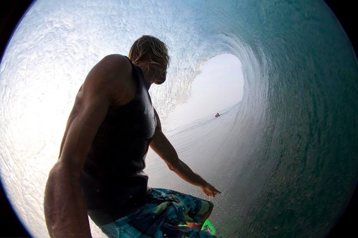 Brian's signature angle from this swell.... #brianconley #pawasurf #pawa #swell #tuberide #surf #surfing #perfectwave