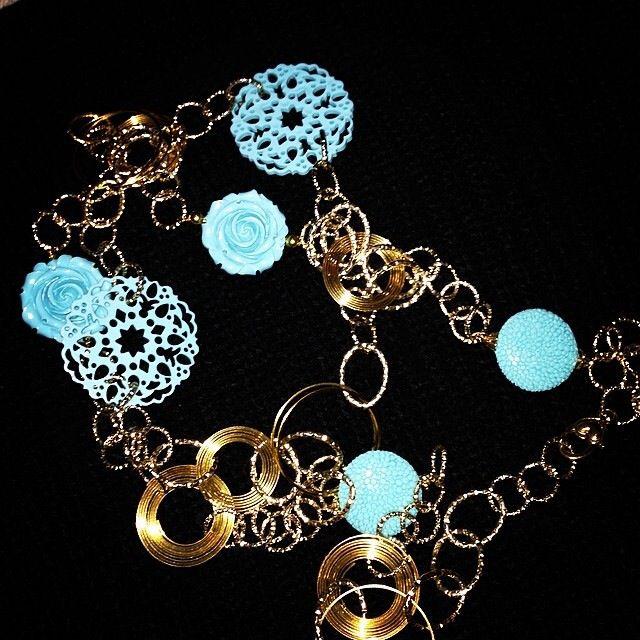 La bellissima collana in oro e turchese che Cristiana ha realizzato per me in esclusiva ;-)