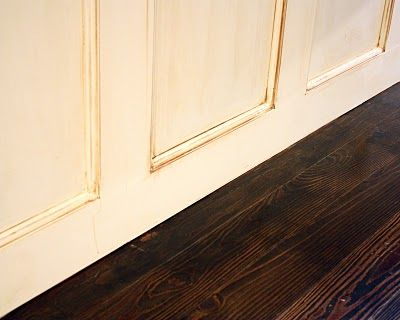 How to refinish your floors dark. This is very very tempting.