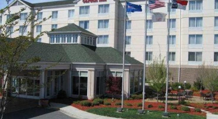 Hilton Garden Inn Charlotte North Charlotte This North Carolina hotel is located in Northlake Village off Interstate 77 and 16 minutes' walk from Northlake Mall. A fitness centre, an indoor pool, and outdoor pool with a hot tub are on site.