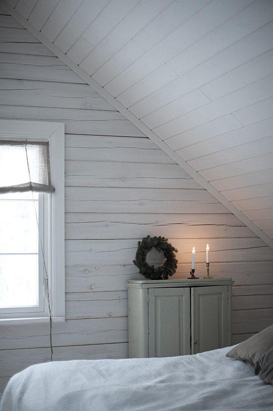 Ulkona tänäänkin 23 astetta pakkasta. Vihdoin myös tänne ihan eteläisimpään Suomeen on saatu lunta. Ikkunoiden nurkissa alkaa näkyä jääkuk...