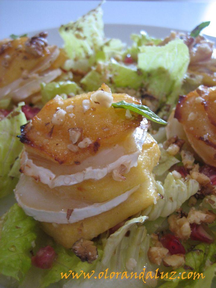 Bocaditos de manzana con queso de cabra...un rico aperitivo!!  http://www.olorandaluz.com/bocaditos-de-manzana-con-queso-de-cabra/