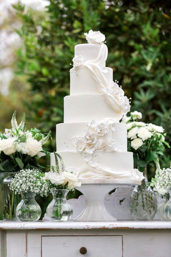 traditional white wedding cake frosting 249 best icing on the cake images on 21217