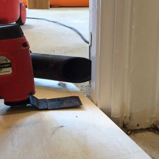 My Milwaukee Multi Tool going to work on these architraves. Enables me to slide the flooring under for a nicer finish. #floorsanding #woodenfloors #woodenflooring #woodflooring #dustfreesanding #lagler #hummel #trio #flooring #woodwork #wood  #portsmouth #hampshire #vintage #upcycle #interiordesign #design #interiors #interior #parquet #festool #milwaukee #makita #dewalt #bosch #hitachi #carpenter #carpentry #estwing #stanley