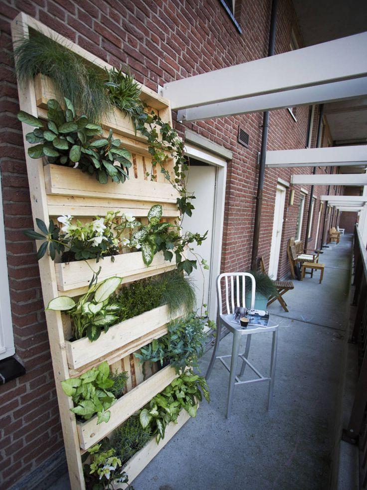 1000 idee n over pallets tuin op pinterest palet tuin pallet tuinieren en pallet bloembakken - Outdoor tuin decoratie ideeen ...