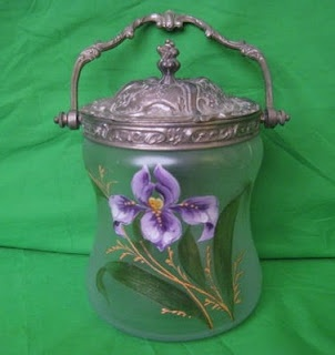 DARYLE LAMBERT ON ANTIQUES - FINE ART - COLLECTIBLES: Biscuit or Cracker Jars