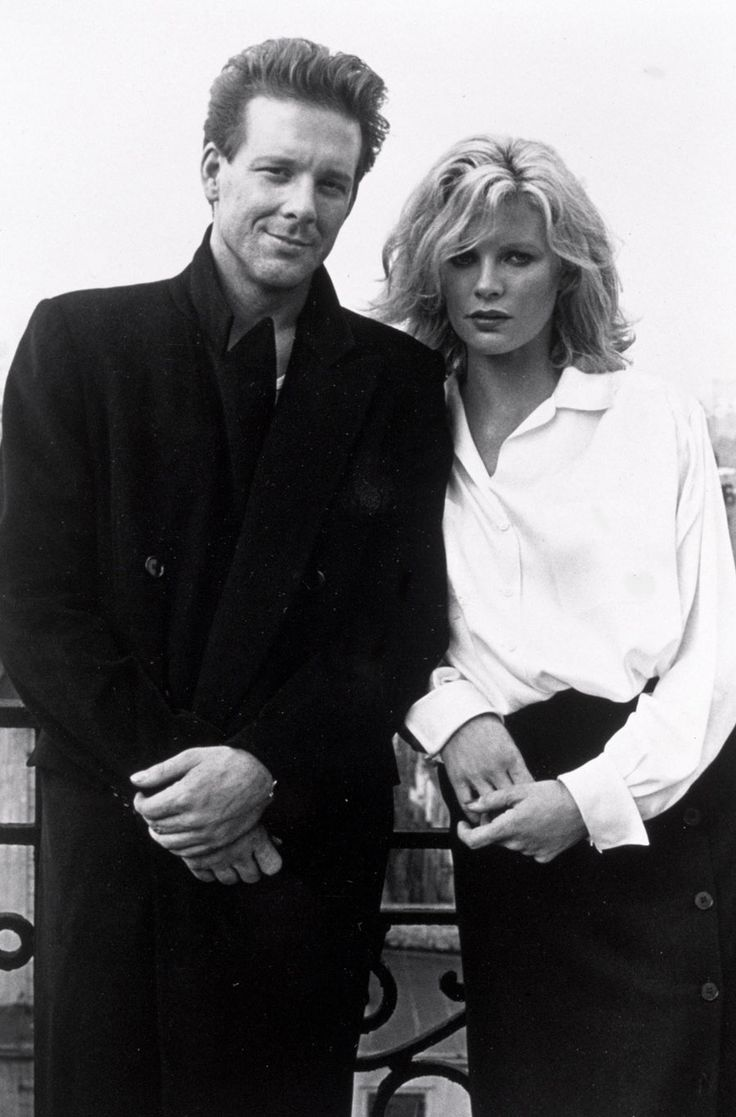 Mickey Rourke and Kim Basinger on the set of 9½ Weeks directed by Adrian Lyne, 1986