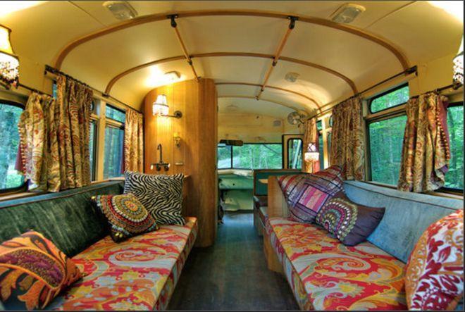 klik HIER om een kijkje te nemen in dit bijzondere huis op wielen.