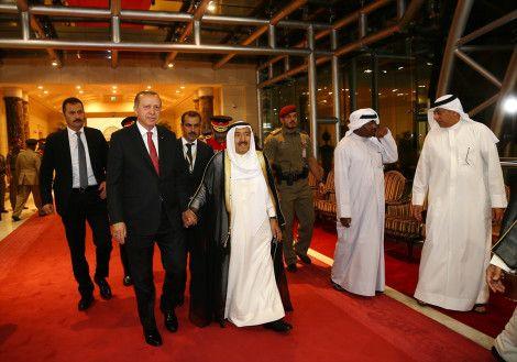 Very warm welcome from Emir to President Erdogan in Kuwait