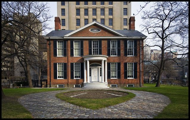 Campbell House (1822), oldest surviving residence of the original Town of York (now Toronto). Relocated from Adelaide Street to this site in 1972. Photo credits: Andre, via Flickr.