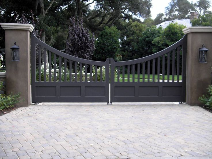 37 best gated entry images on pinterest for Wooden driveway gates designs